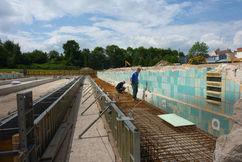 Abbruch- und Fundamentarbeiten für das neue Edelstahlbecken